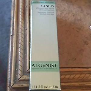 anti aging cleanser from algenist